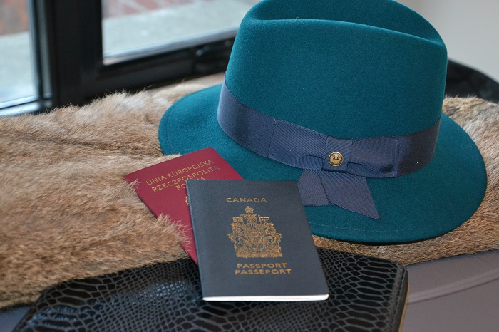 turquoise fedora with passports