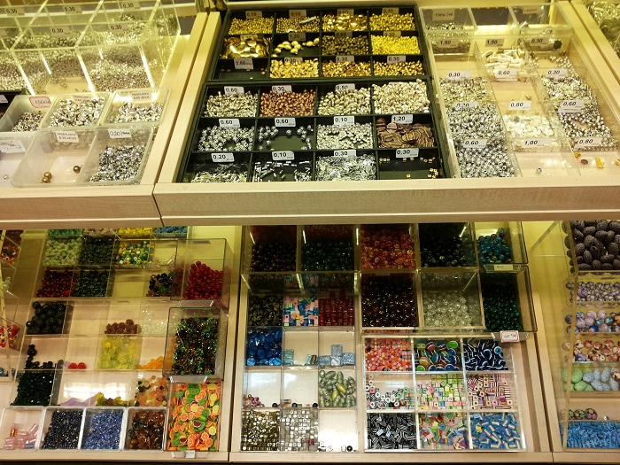 diplay: beads and crystals