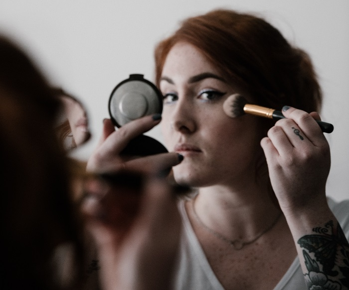 How To Adapt Your Makeup As You Age